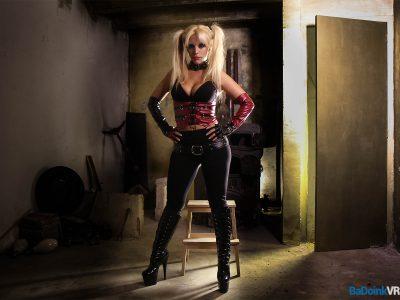 Blondie Fesser vr porn 02
