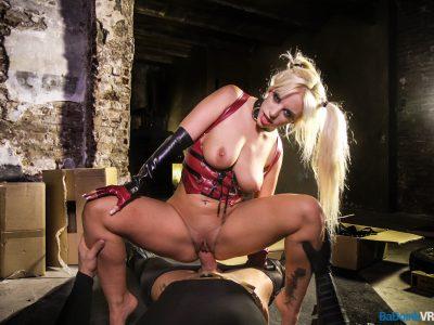 Blondie Fesser vr porn 04