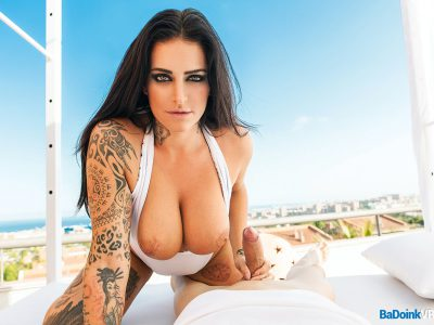 Raquel Adan Slutty Skyline VR 01